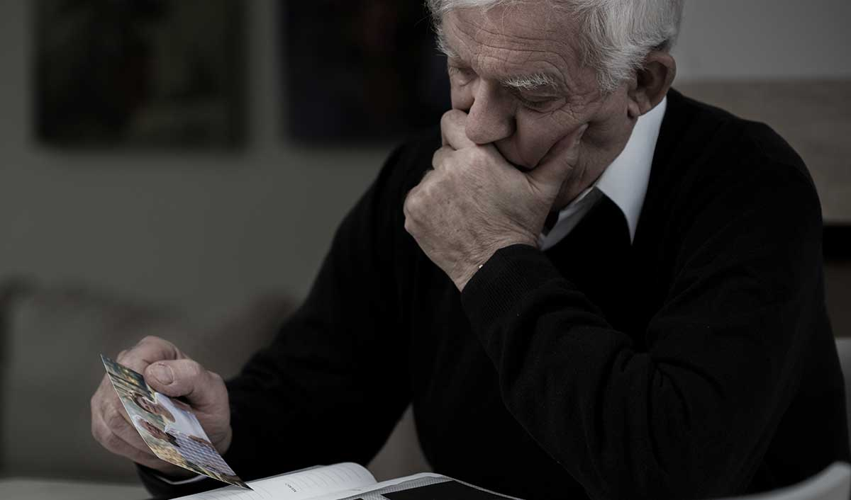 An elderly man who may be experiencing social isolation